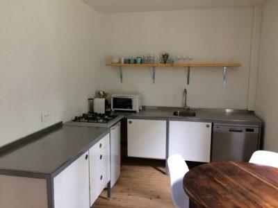 keuken gîte vakantiehuisje Domaine du Merlet Zuid Frankrijk