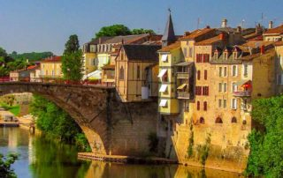 brug over rivier Agen Lot-et-Garonne