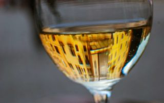 foto glas wijn eten en drinken Frankrijk