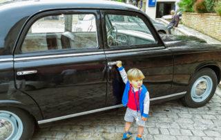 foto auto old timer Frankrijk kinderen activiteiten vakantie