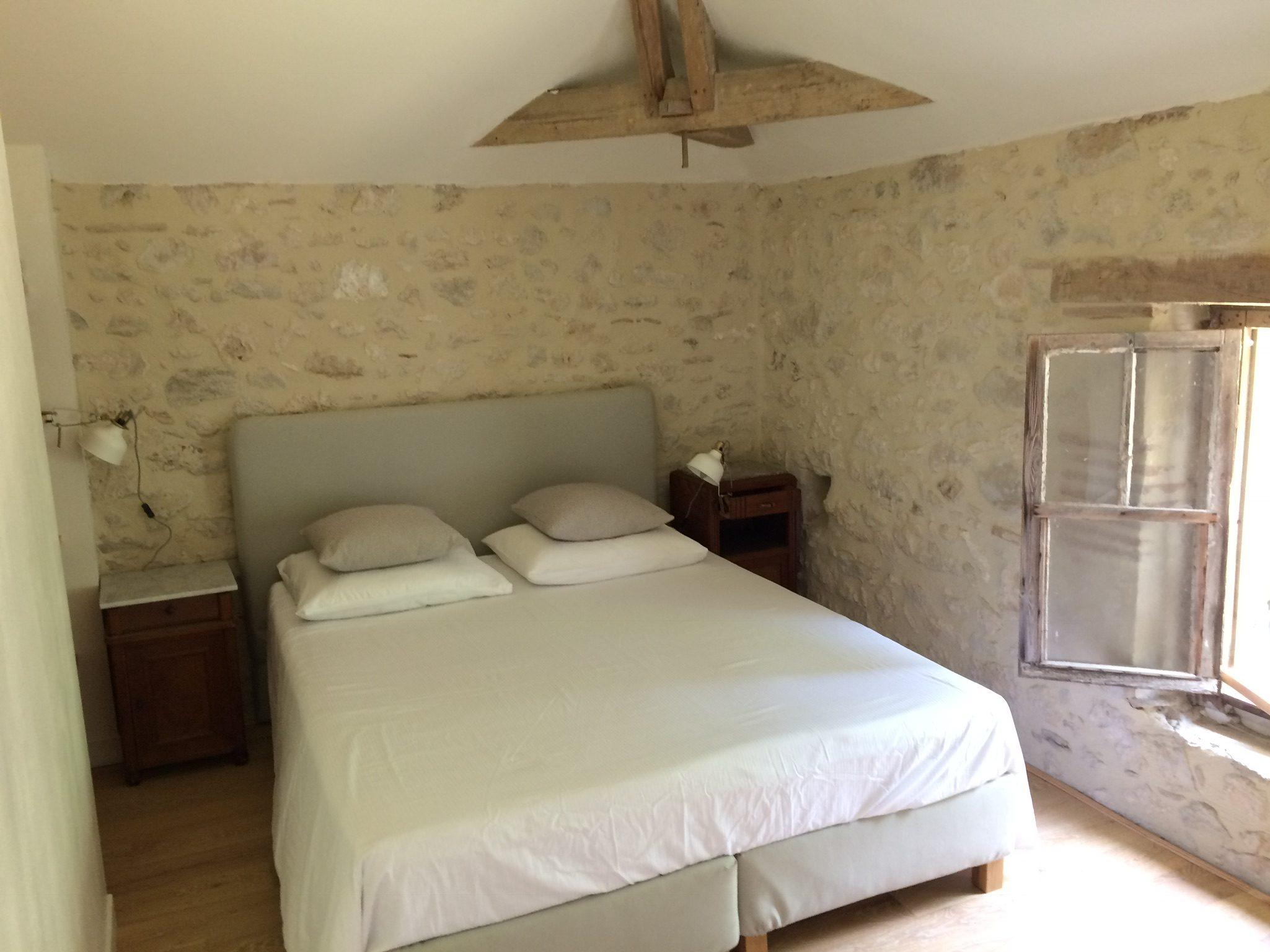 slaapkamer gîte vakantiehuisje Zuid Frankrijk Domaine du Merlet